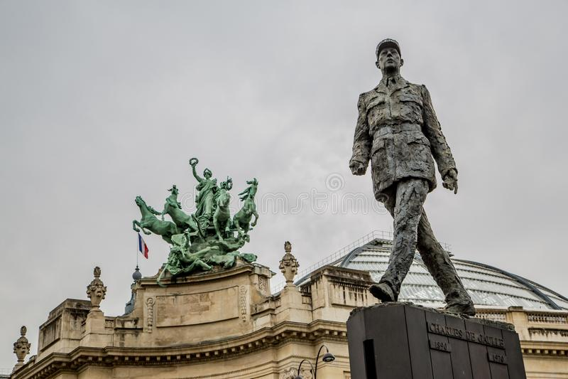 巴黎法国2013年4月30日:对法国将军和政治家Th的夏尔・戴高乐的纪念碑 免版税库存照片