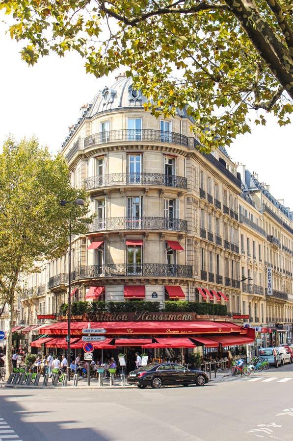巴黎特里杜豪斯曼餐厅的门面 库存照片