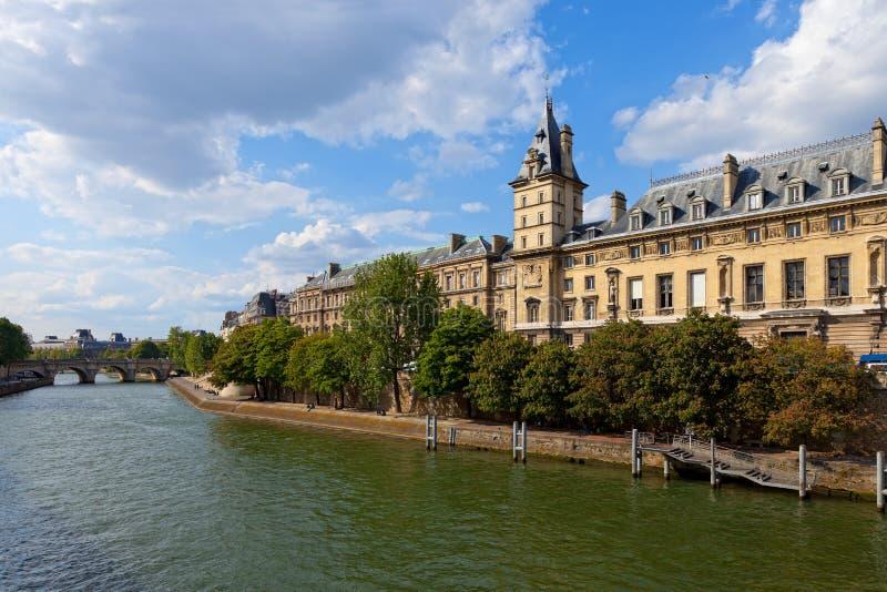 巴黎码头 免版税库存照片
