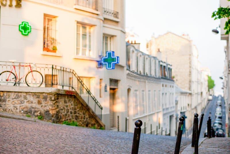 巴黎街在蒙马特区 库存照片
