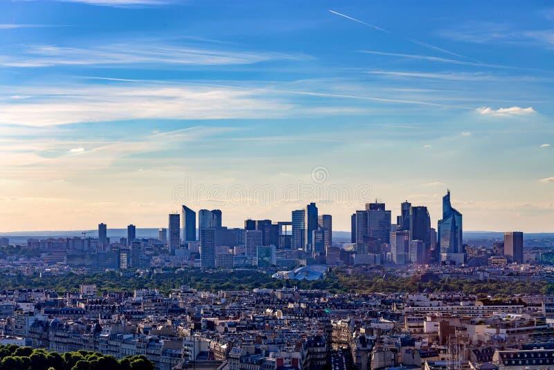 巴黎,法国- 2014年6月:拉德芳斯摩天大楼 免版税图库摄影