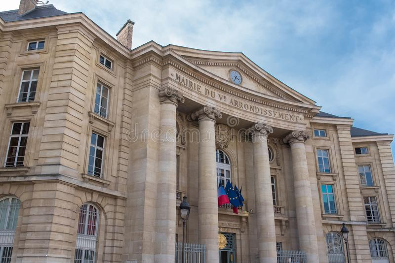 巴黎,第5个区的市政厅 图库摄影