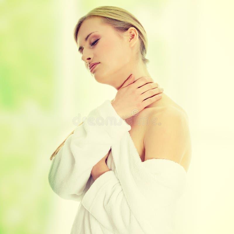 浴巾的妇女 免版税库存图片