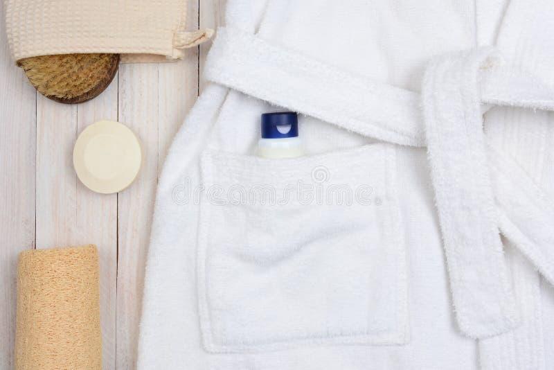 浴巾肥皂和Luffa 免版税库存图片