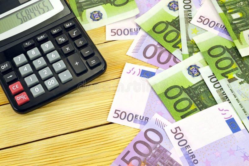 货币和计算器 免版税库存图片