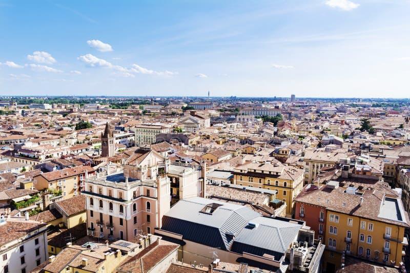 市中心的红色屋顶 意大利维罗纳 免版税库存照片