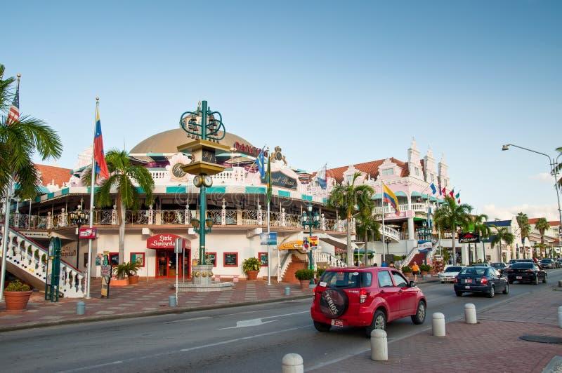 市中心, Oranjestad,阿鲁巴五颜六色的房子  库存图片