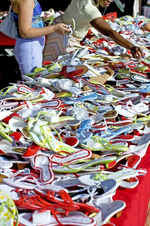 市场购物的西班牙妇女 库存图片