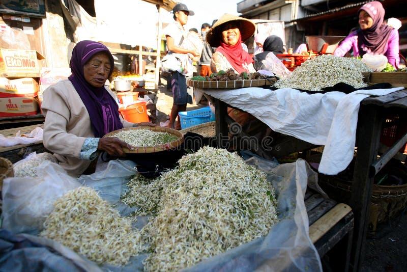 Download 市场 编辑类库存图片. 图片 包括有 城市, 停转, 市场, 中央, java, 多沼泽的支流, 食物, 印度尼西亚 - 62536299