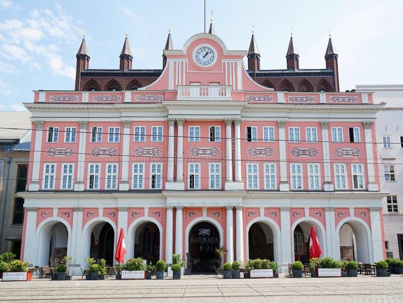 Download 市政厅大厦在罗斯托克德国 编辑类库存图片. 图片 包括有 德语, 旅行, 欧洲, 城市, 德国, 地标, 有历史 - 72360009