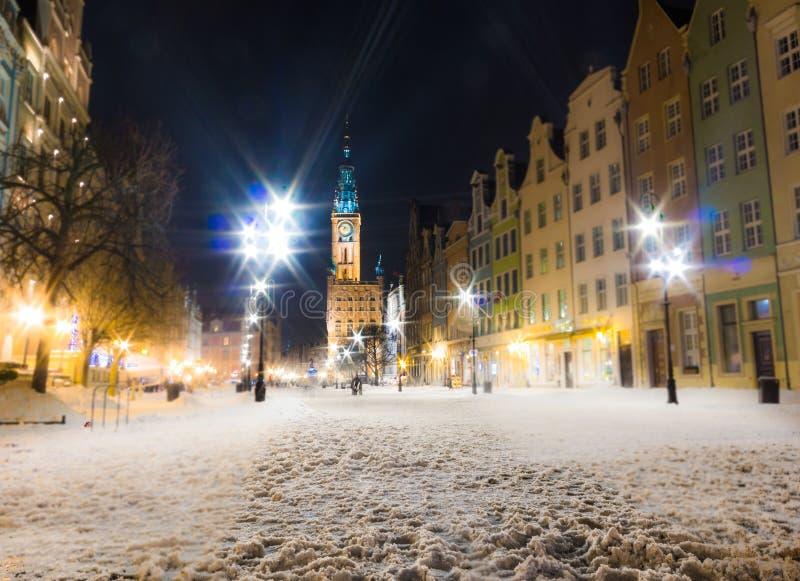 市政厅老镇格但斯克波兰欧洲。冬天夜风景。 免版税库存照片