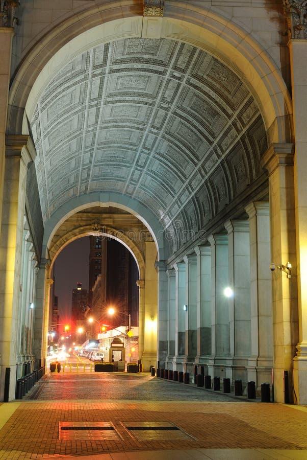 市政拱道的大厦 库存图片