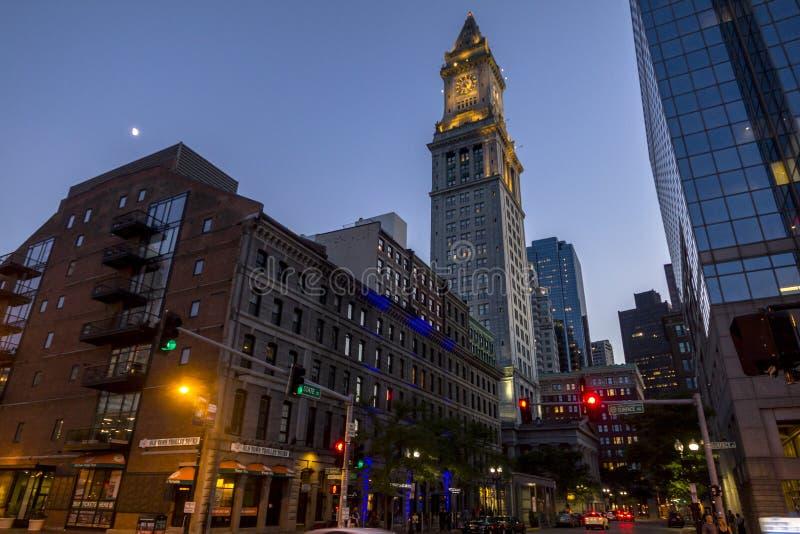 市波士顿在晚上 库存图片