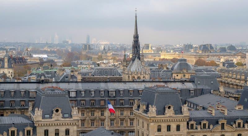 市的全景巴黎如被看见从Notre Dame大教堂 免版税图库摄影