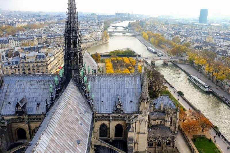市的全景巴黎如被看见从Notre Dame大教堂 库存图片