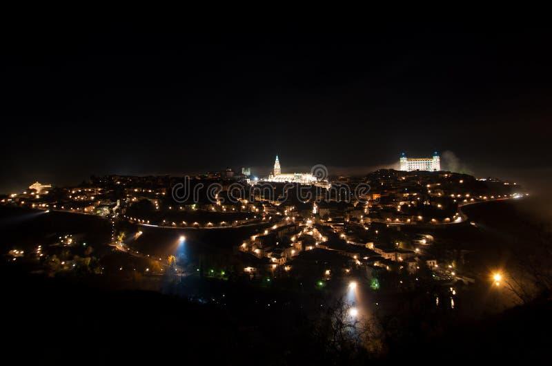市的全景托莱多,在晚上 免版税库存照片