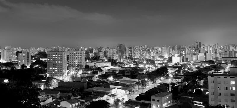 市的全景顶视图坎皮纳斯,在巴西 库存照片