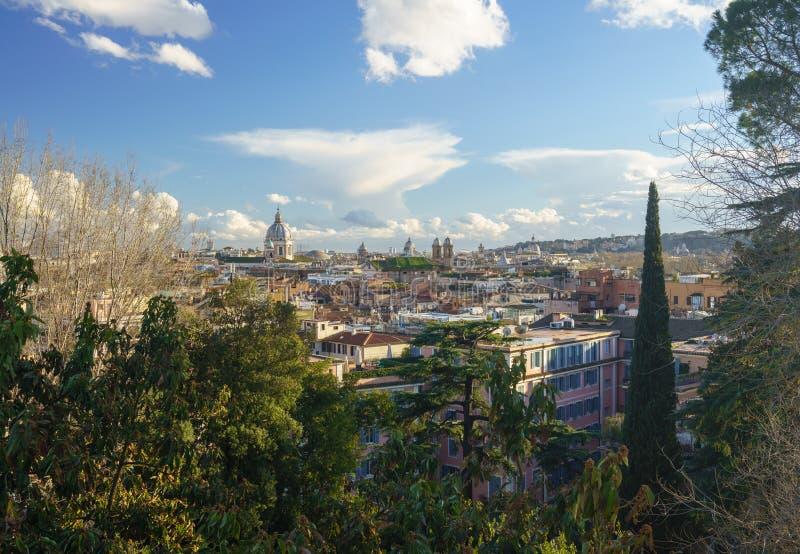 市的地平线罗马,意大利 库存照片