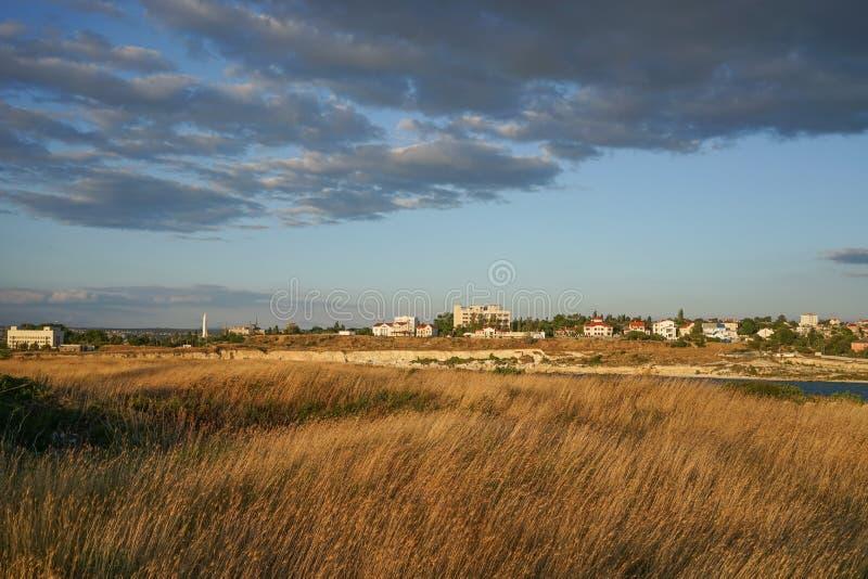 市的干草原郊区塞瓦斯托波尔 免版税库存照片