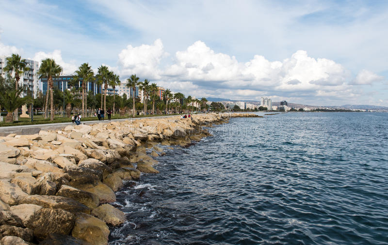 市的海岸线利马索尔在塞浦路斯 免版税库存图片