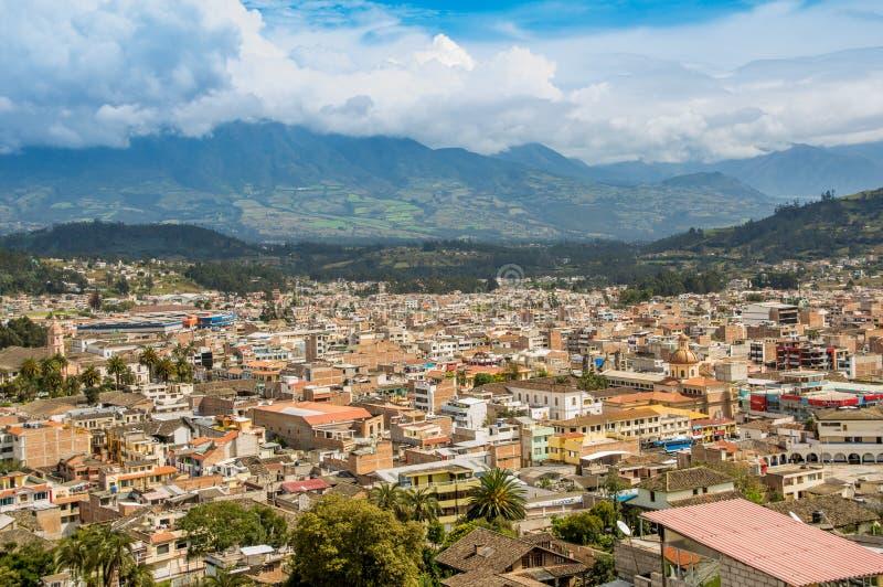 市的美好的全景室外看法Otavalo在厄瓜多尔 库存图片
