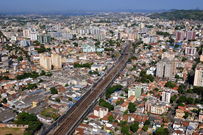 市的郊区的鸟瞰图里约热内卢 免版税库存照片