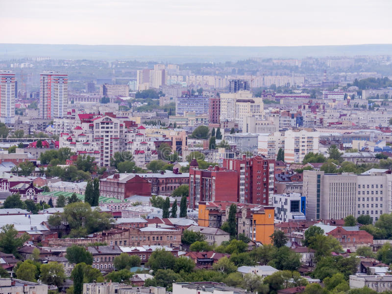 市萨拉托夫,俄罗斯 巴塞罗那, Catalunya省的省会 议院、街道和公共建筑 免版税库存照片