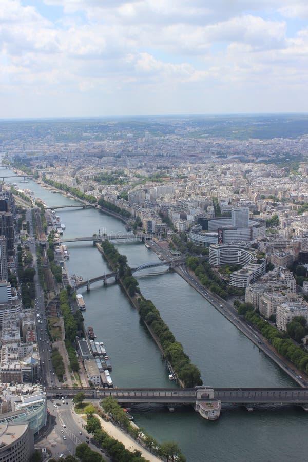 巴黎市视图-桥梁 库存图片