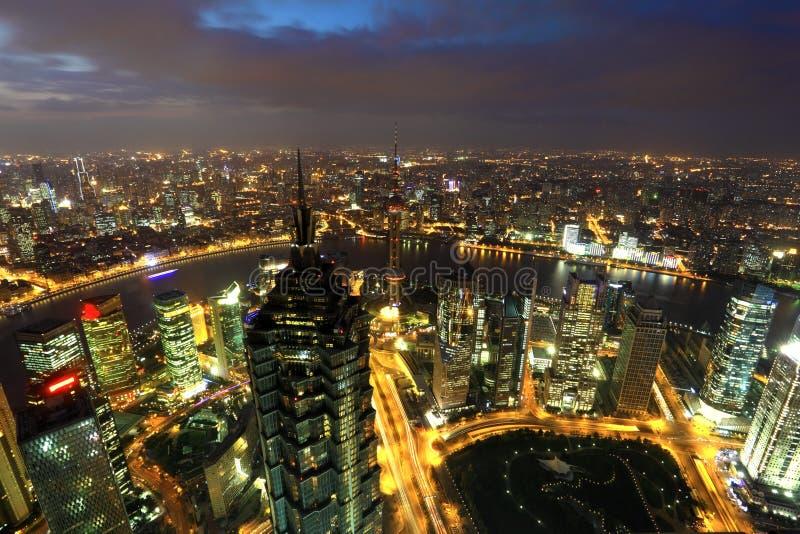 市黄昏的上海,中国 免版税库存图片