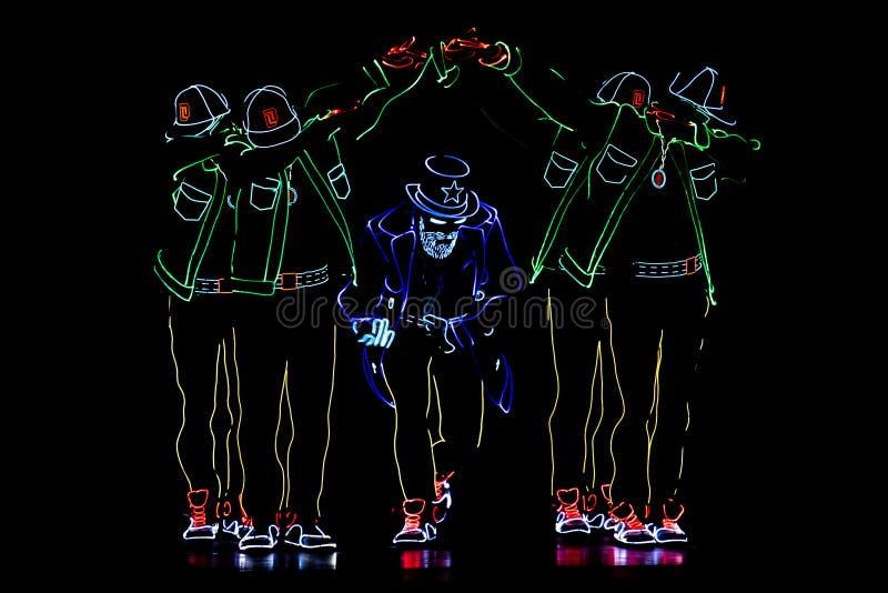 布加勒斯特聚光灯节日与光的跳舞乘员组 免版税库存图片
