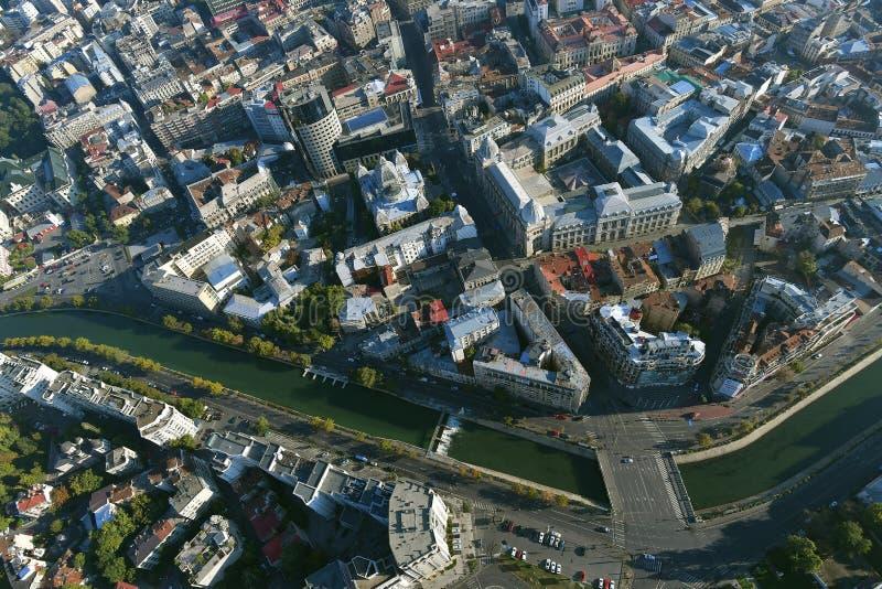 布加勒斯特,罗马尼亚, 2016年10月9日:老镇鸟瞰图在布加勒斯特,在Dimbovita河附近 免版税库存照片