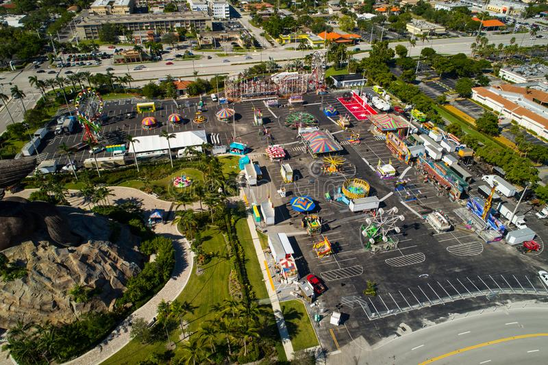 布劳沃德县青年时期的空中图象公平在Hallandale FL 库存图片