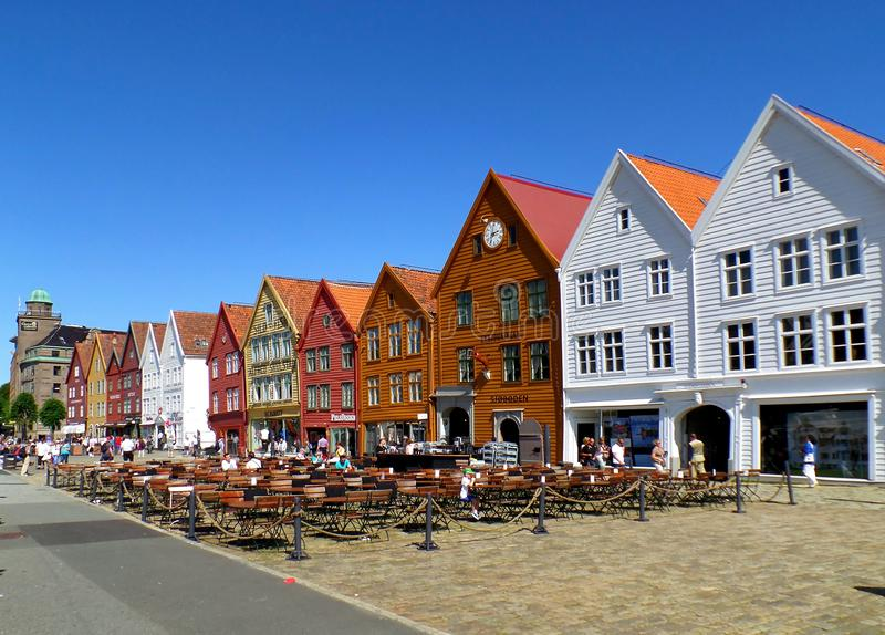 布吕根商业同业公会的码头卑尔根,联合国科教文组织世界遗产名录站点的五颜六色的历史建筑在卑尔根,挪威 免版税库存照片