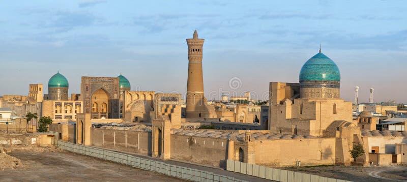 布哈拉,乌兹别克斯坦空中都市风景日落的 免版税库存照片