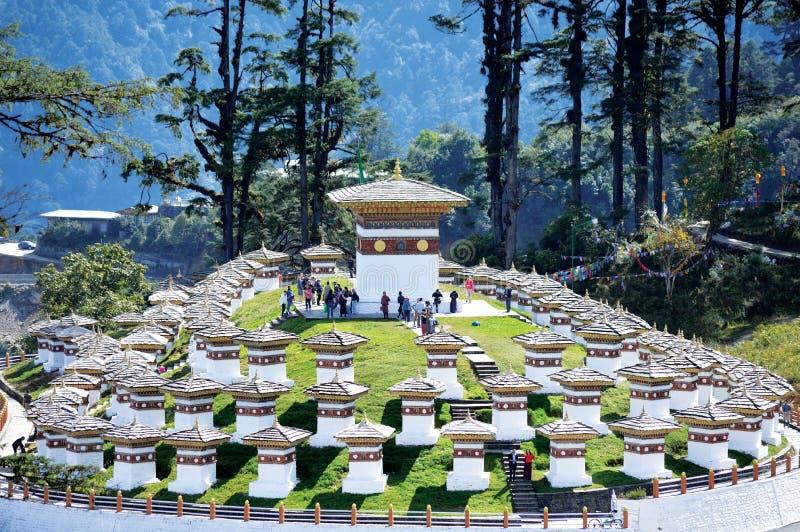 布坦 — 108 Stupa de Dochula Pass Col de Dochula 库存照片