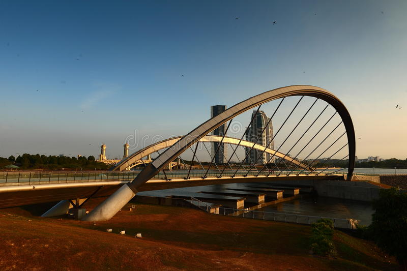 布城桥梁在黎明 免版税库存照片