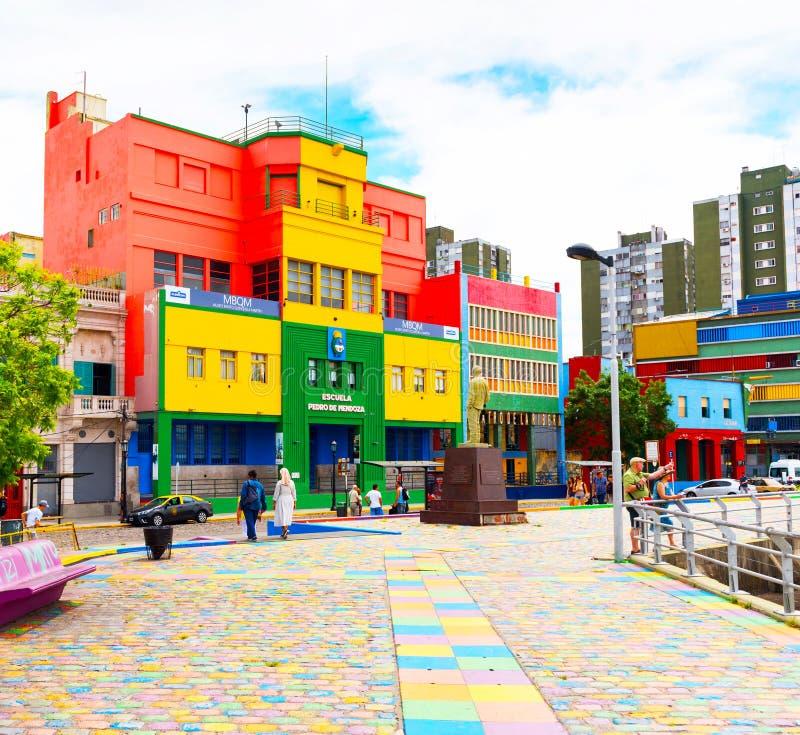 布宜诺斯艾利斯,阿根廷- 2017年12月25日:五颜六色的大厦的看法在市中心 复制文本的空间 免版税库存照片