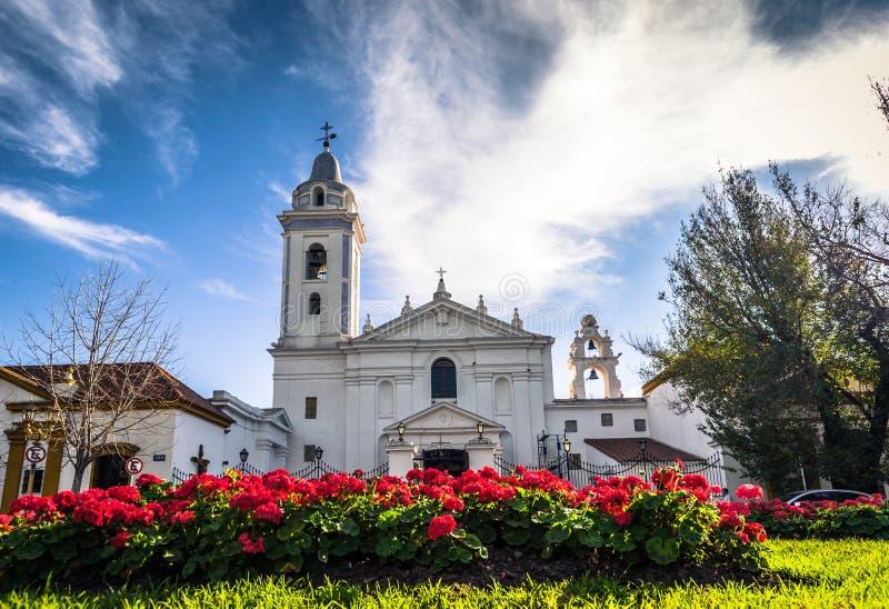 布宜诺斯艾利斯- 2017年7月01日:雷科莱塔公墓的教会在布宜诺斯艾利斯,阿根廷 图库摄影
