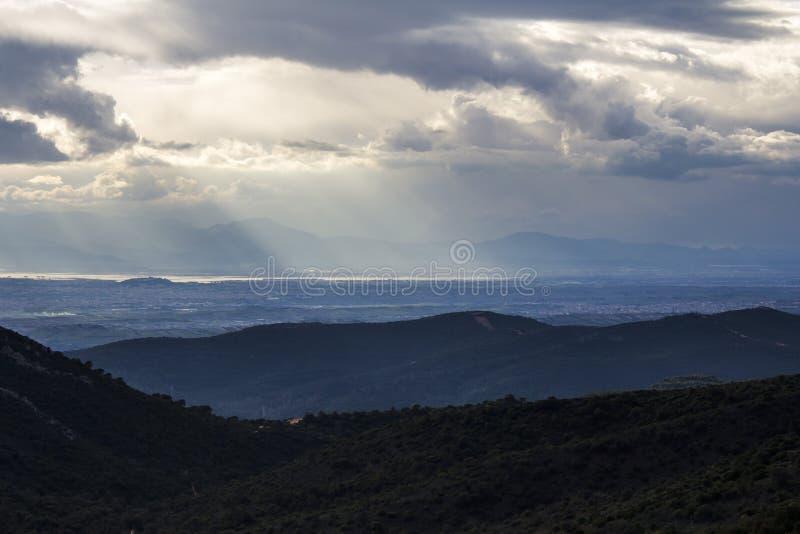 布尔切伊:在日落-撒丁岛的天际 图库摄影