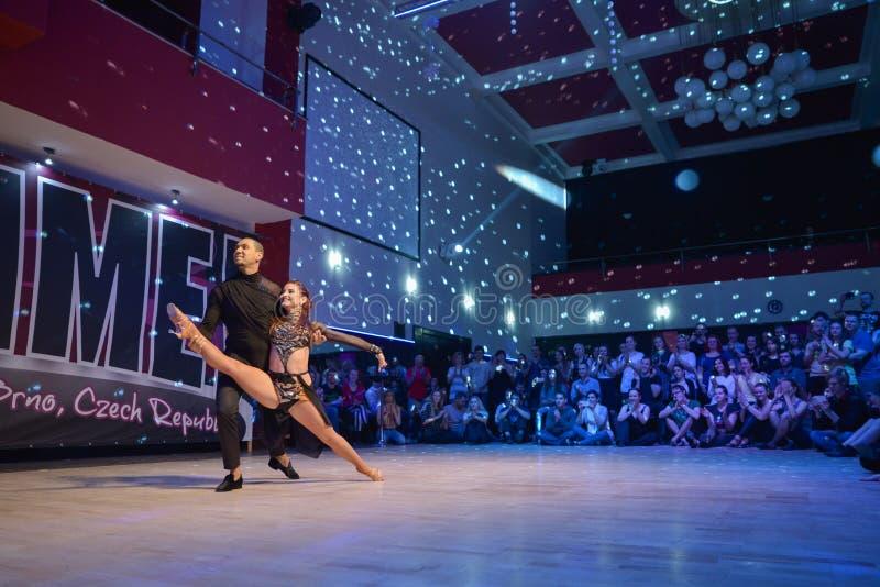 布尔诺,捷克- 2017年2月5日:由有天才的舞蹈家的巴西舞蹈展示 库存图片