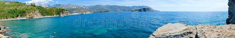 布德瓦海岸莫格伦海滩,布德瓦老镇, Sveti科列夫海岛,黑山全景  免版税库存图片
