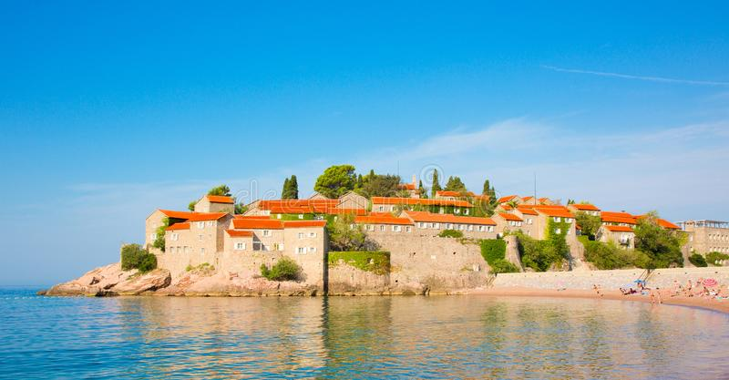 布德瓦的里维埃拉Sveti斯蒂芬海岛在黑山 免版税图库摄影