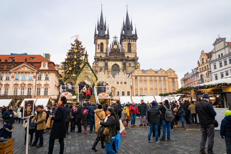 布拉格出现在老镇的圣诞节市场在捷克 库存图片