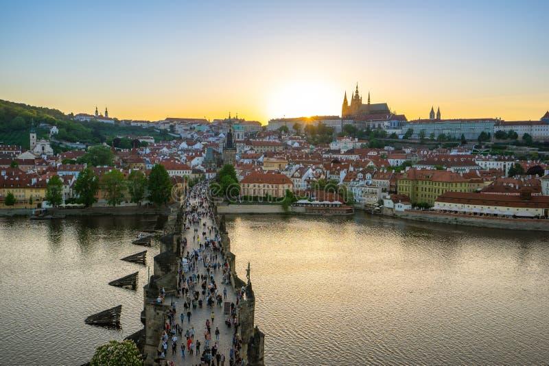 布拉格地平线日落视图在捷克 免版税库存图片