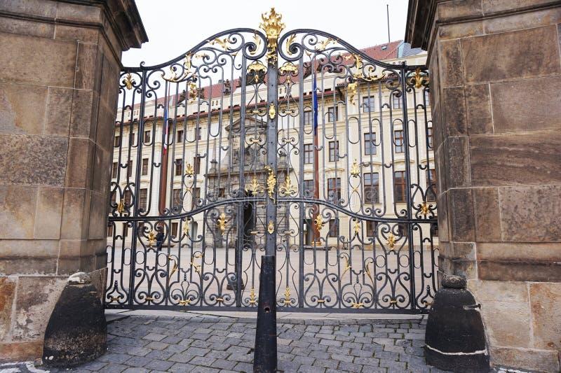 布拉格城堡入口 免版税库存照片