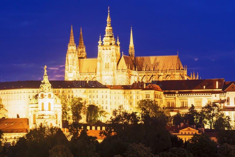 布拉格城堡夜视图在布拉格,捷克 图库摄影