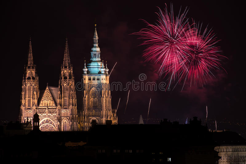 布拉格城堡烟花 库存图片