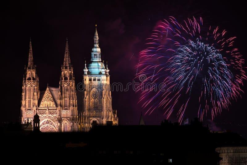 布拉格城堡烟花 库存照片