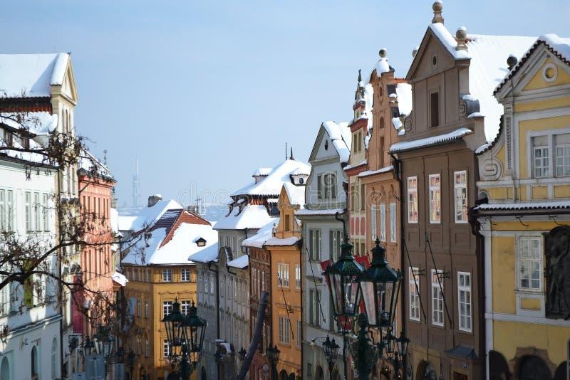 布拉格屋顶在冬天 库存照片