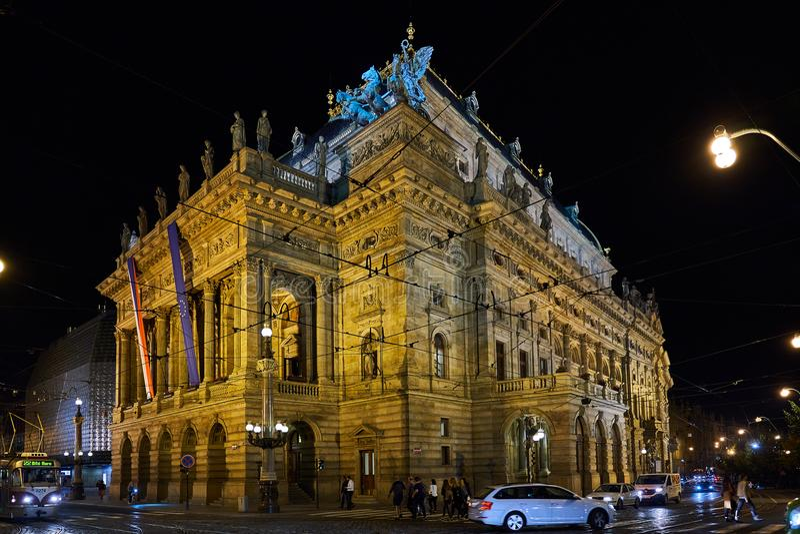 布拉格建筑学在晚上 图库摄影